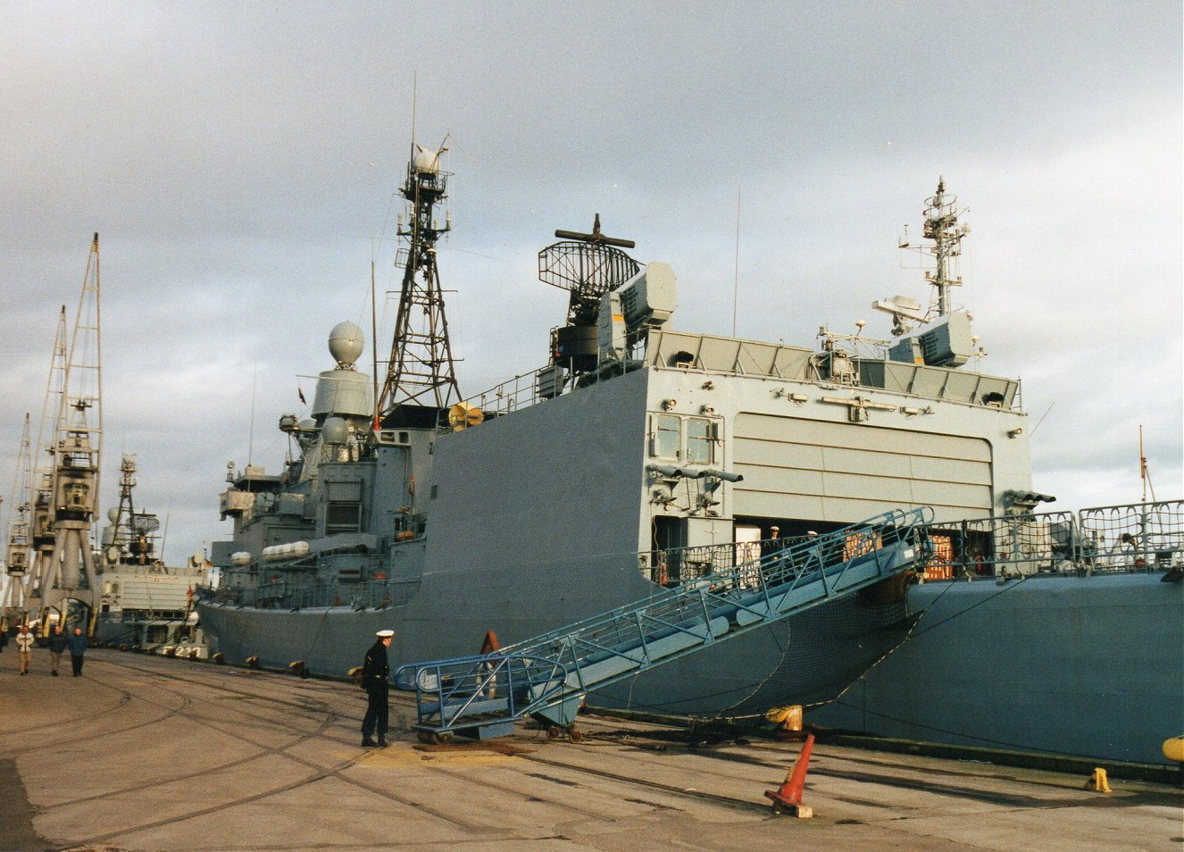 French destroyer De Grasse with Falklands veteran Type 42 HMS Exeter. 25.2.01.